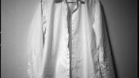 男の私服、最初の一枚。定番白シャツの選び方